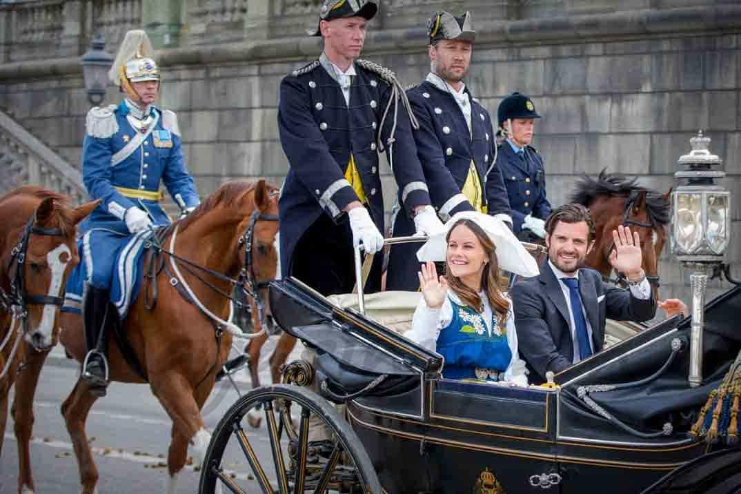 principes-carl-philip-y-princesa-sofia en el dia de suecia