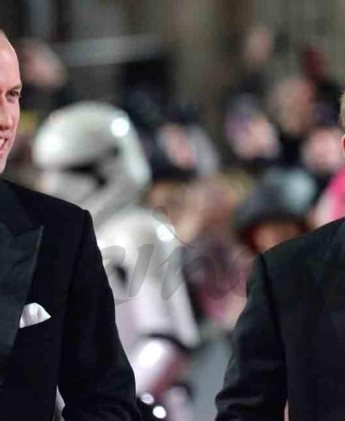 """Los príncipes Guillermo y Harry de Inglaterra fans de """"Star Wars"""""""