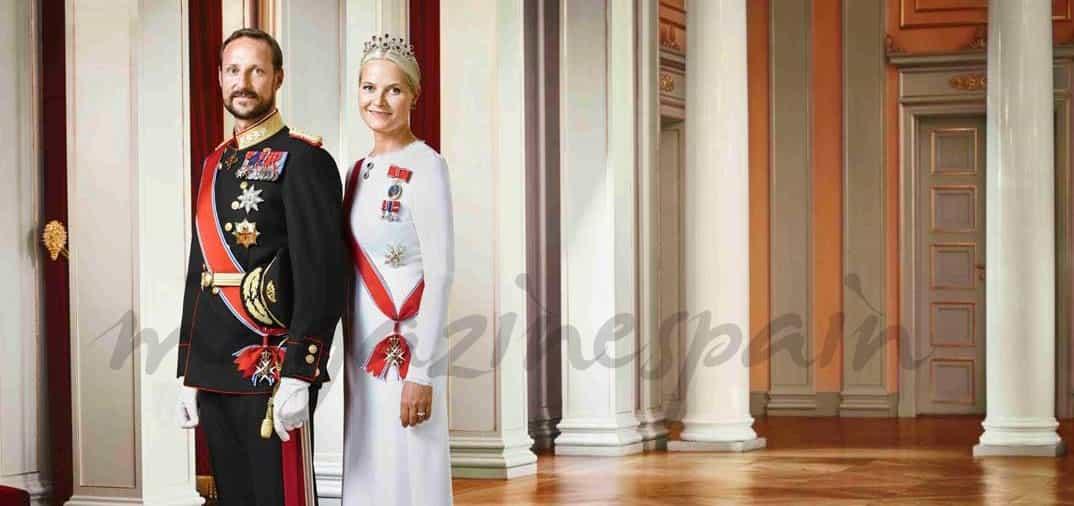 principes-haakon-y-mette-marit- fotos oficiales
