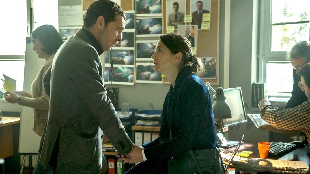 Pablo Derqui y Leonor Watling - Pulsaciones - Capítulo 9 © Atresmedia