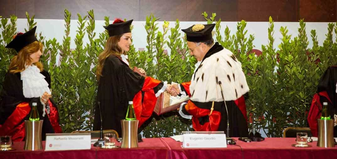 Rania de Jordania «Doctora Honoris Causa»