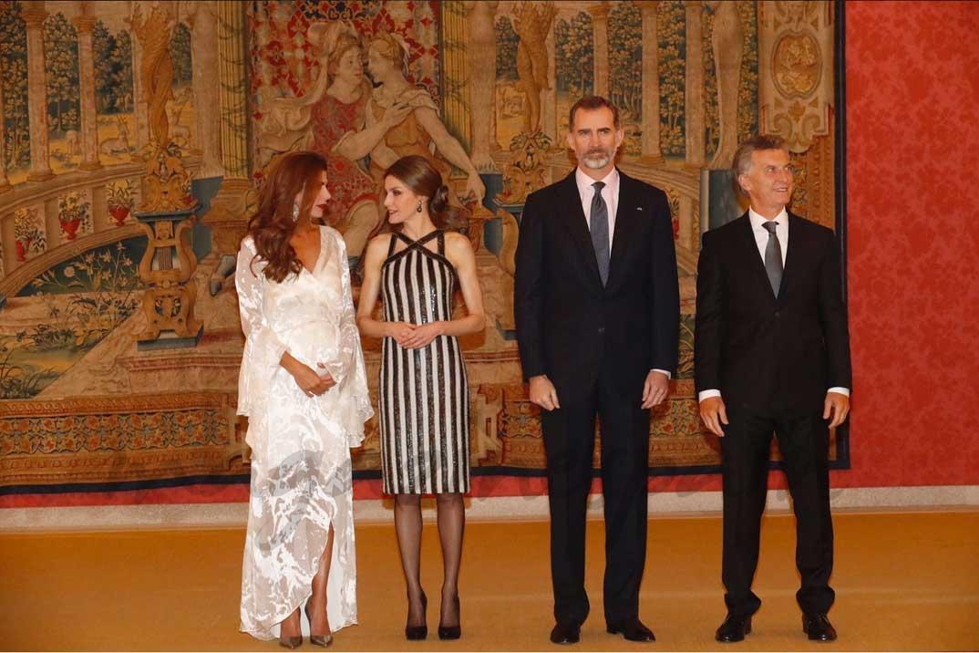Los Reyes y el Presidente Macri y su esposa, en la recepción ofrecida en honor de Don Felipe y Doña Letizia © Casa S.M. El Rey