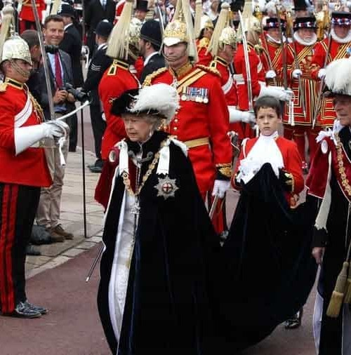 La Familia Real inglesa en la Orden de la Jarretera