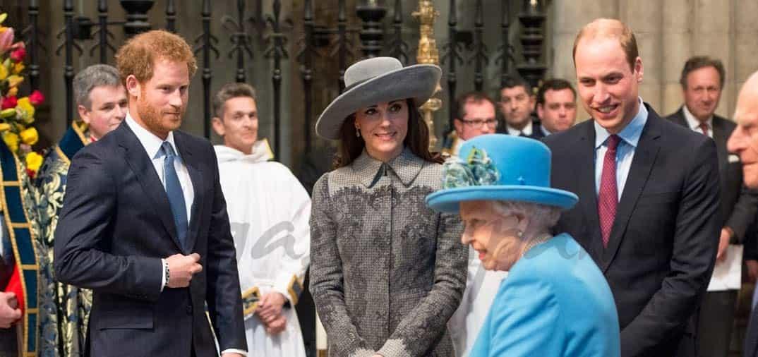 reina-de-inglaterrra-duques-de-cambridge-y-principe-harry-en-westminster-abby