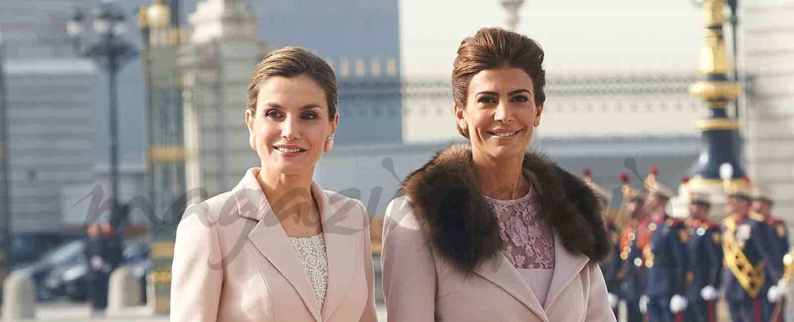 La reina Letizia y Juliana Awada compiten en elegancia