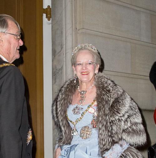 La reina Margarita de Dinamarca, anuncia la jubilación de su esposo