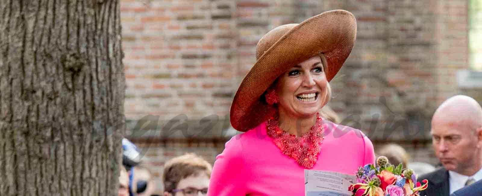 Los reyes de Holanda reciben un original regalo
