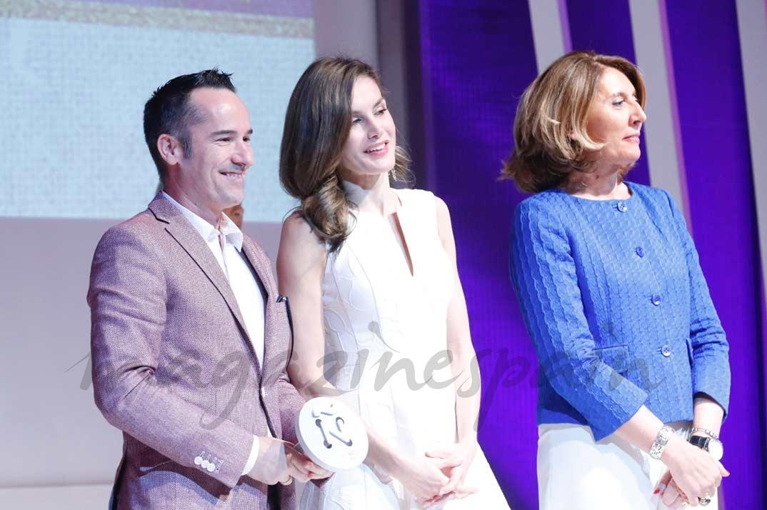 Doña Letizia entega el Premio Nacional Honorífico a la Gran Empresa del Sector de la Moda a PUIG
