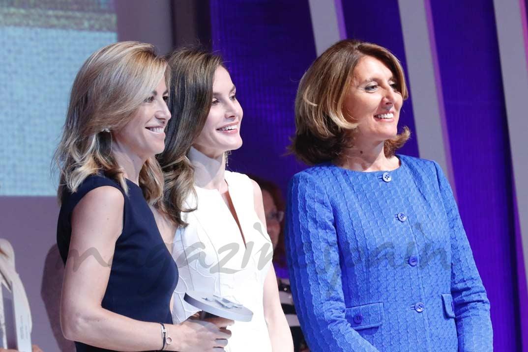 Doña Letizia entrega el Premio Nacional al Emprendimiento de la Industria del Sector de la Moda, a García Madrid
