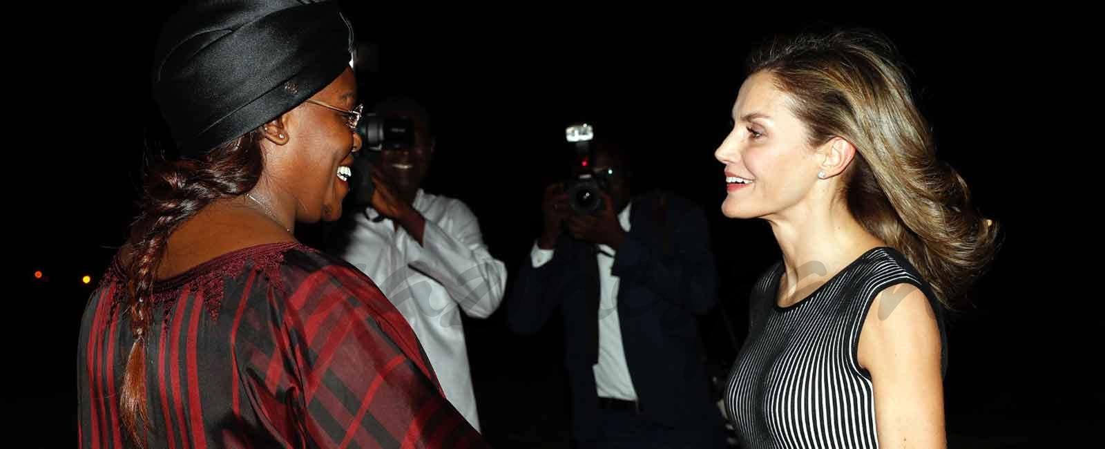 La reina Letizia comienza su viaje de Cooperación en Senegal