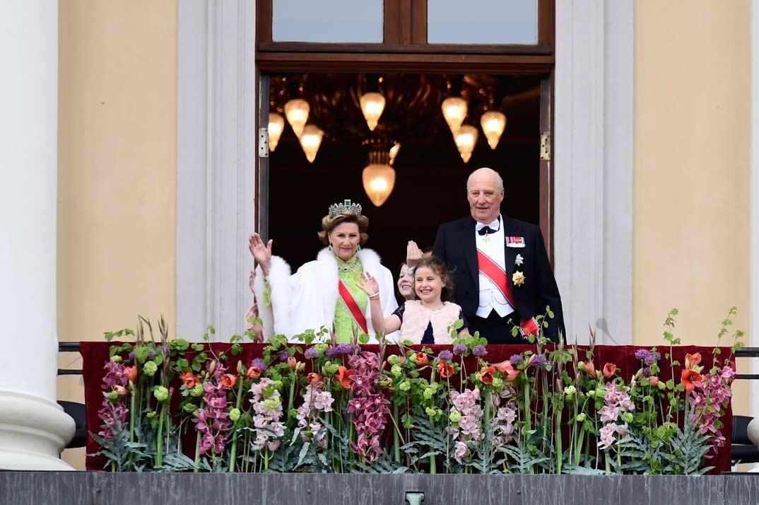 Reyes Harald y Sonia de Noruega