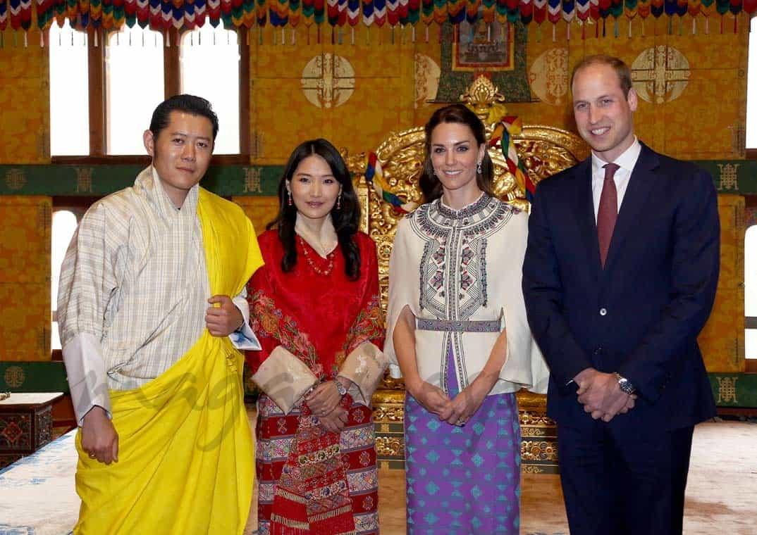 Reyes de Bután con los Duques de Cambridge