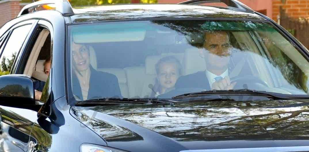 Reyes Felipe y Letizia con la princesa Leonor y la infanta Sofía