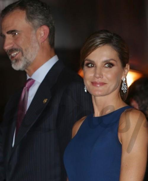 Los Reyes Felipe y Letizia, de Felipe Varela, presiden el tradicional concierto Premios Princesa de Asturias