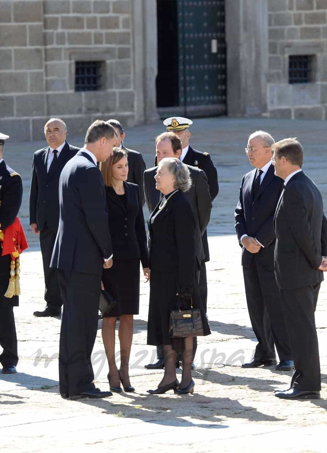 reyes-de-espana-con ana de orleans