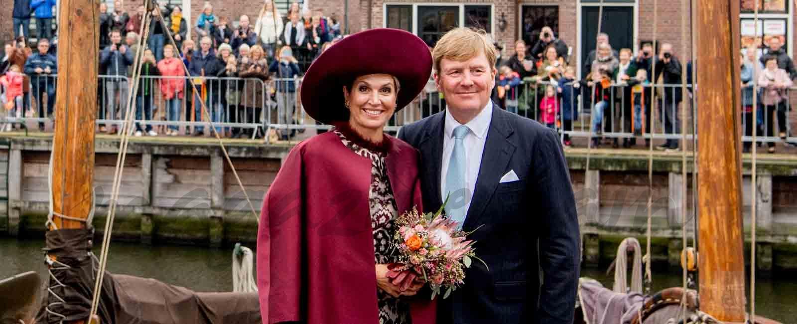 La reina Máxima de Holanda fiel a sus sombreros