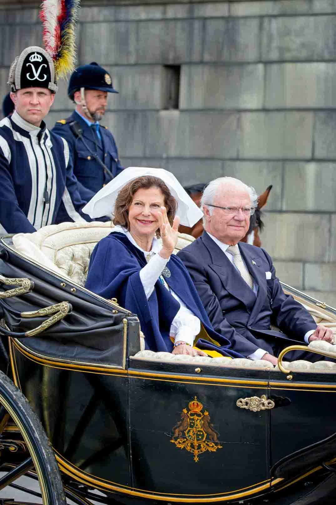reyes de suecia en el dia de suecia