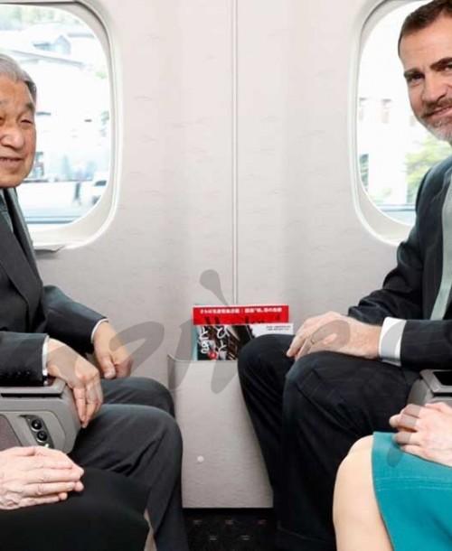 """El viaje en """"tren bala"""" de los Reyes en Japón"""