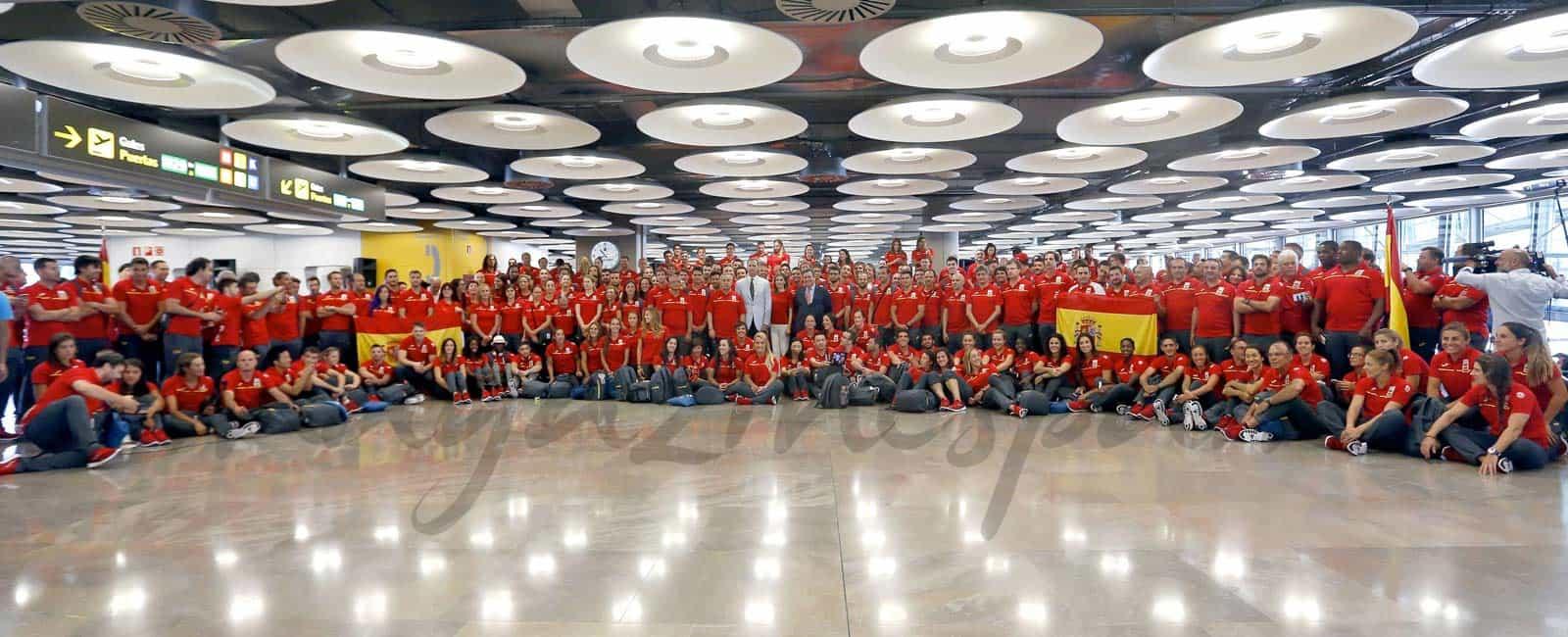 Los Reyes desean suerte al equipo olímpico español de Río