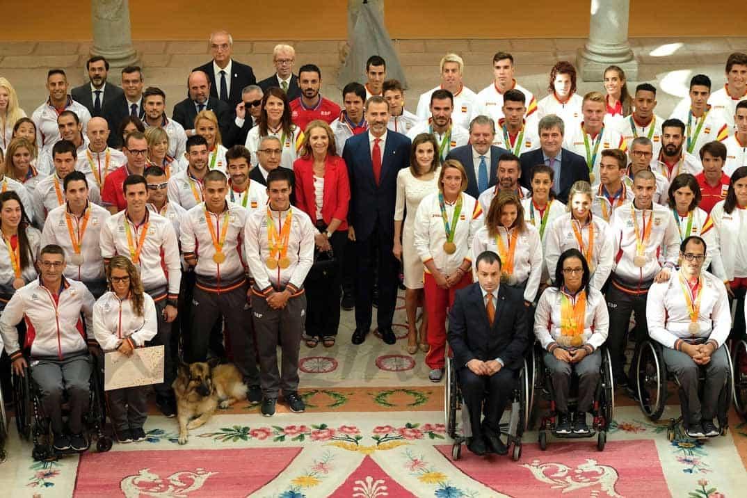 Reyes Felipe, Letizia, infanta Elena representación española en los Juegos Olímpicos Río 2016