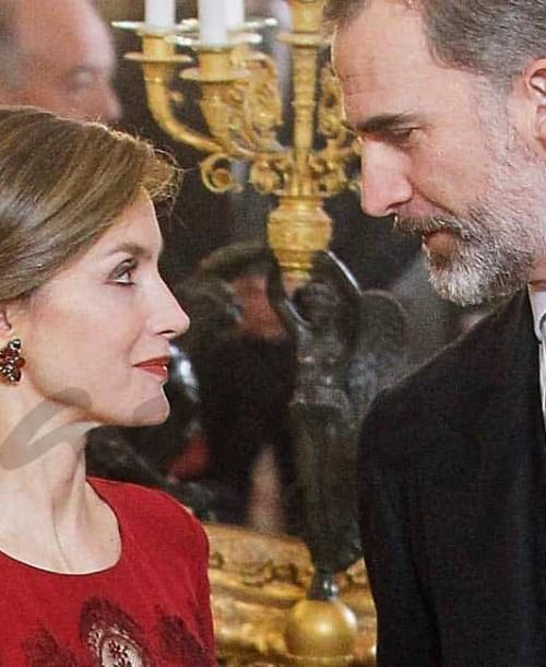 La reina Letizia apuesta, de nuevo, por el rojo
