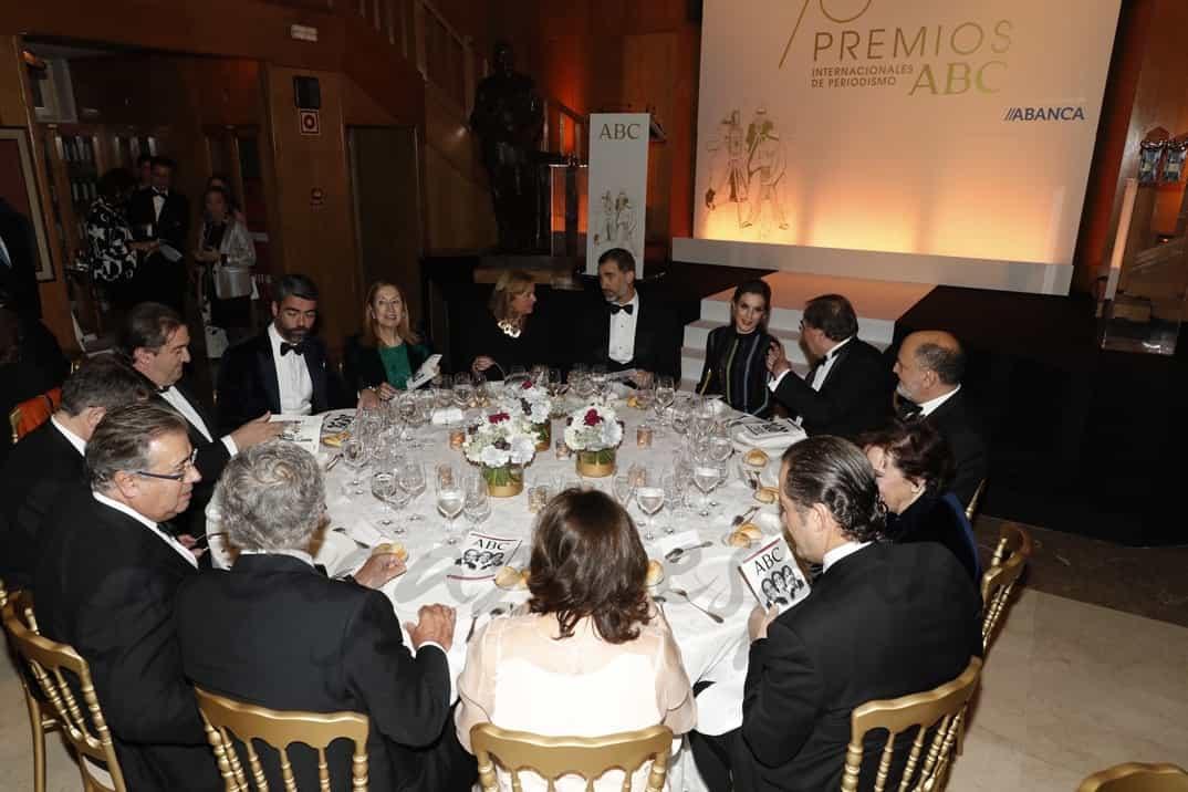 Reyes en los Premios ABC Vista de la mesa presidencial © Casa S.M. El Rey