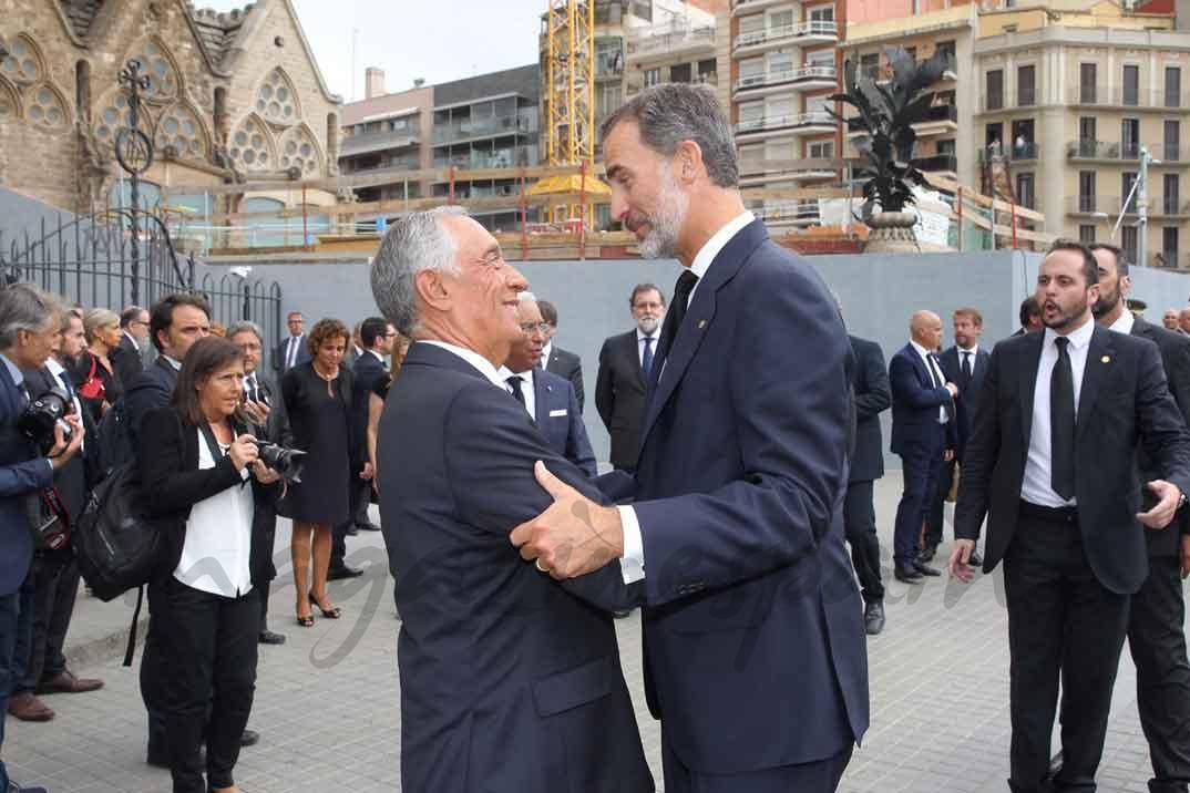 Don Felipe despide al Presidente Rebelo de Sousa