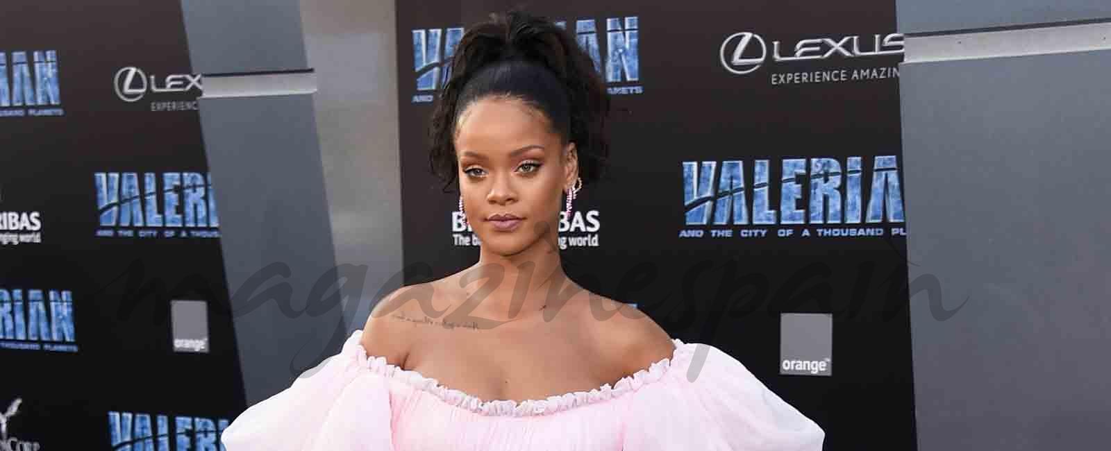 Rihanna y Cara Delevingne, duelo de estilos