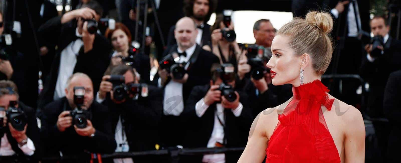 Cannes… Desfile de top models sobre la alfombra roja