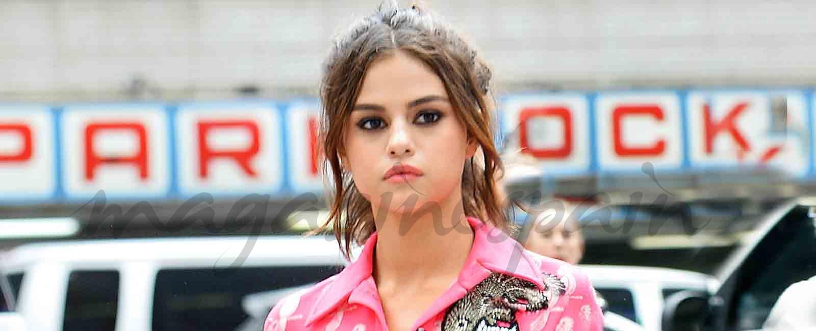 Selena Gómez se apunta a la moda del pijama