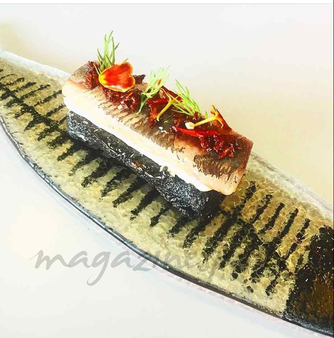 Aceituna, tomate, terrina de foie y sardina ahumada