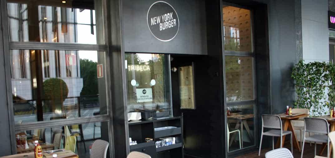 La terraza del New York Burger