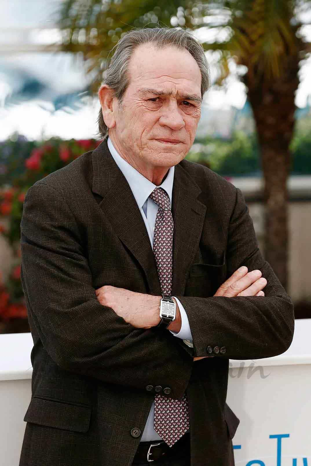 tommy lee Jones estara en bourne 5