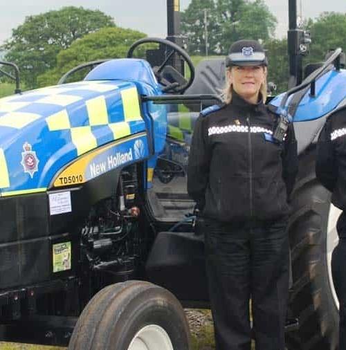 El tractor policía