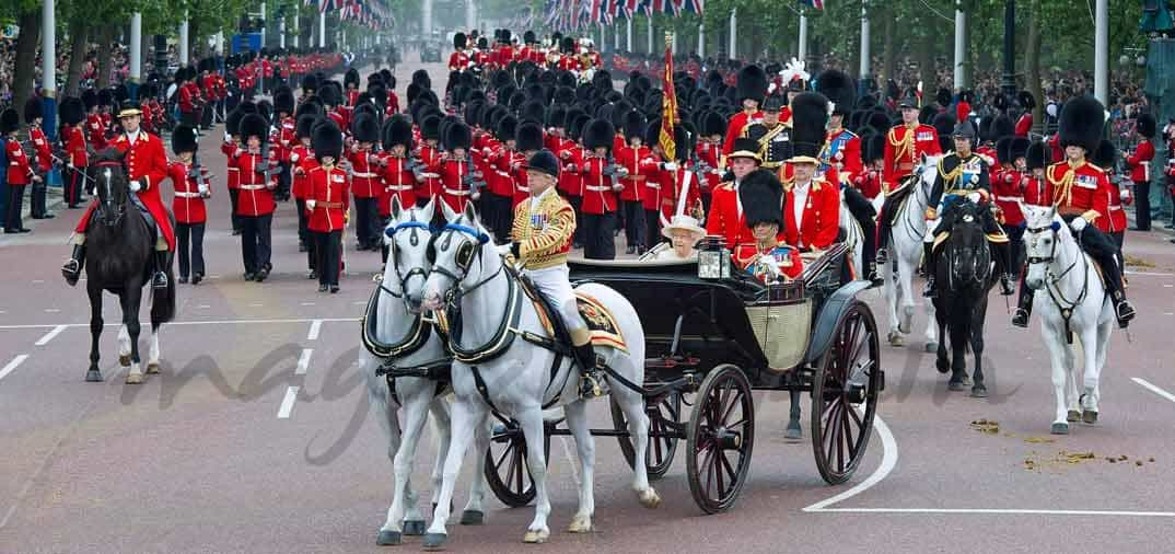 Primera salida oficial de Kate Middleton, para asistir al Trooping the Colour