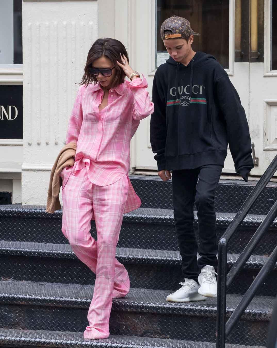 Victoria Beckham y su hijo Romeo