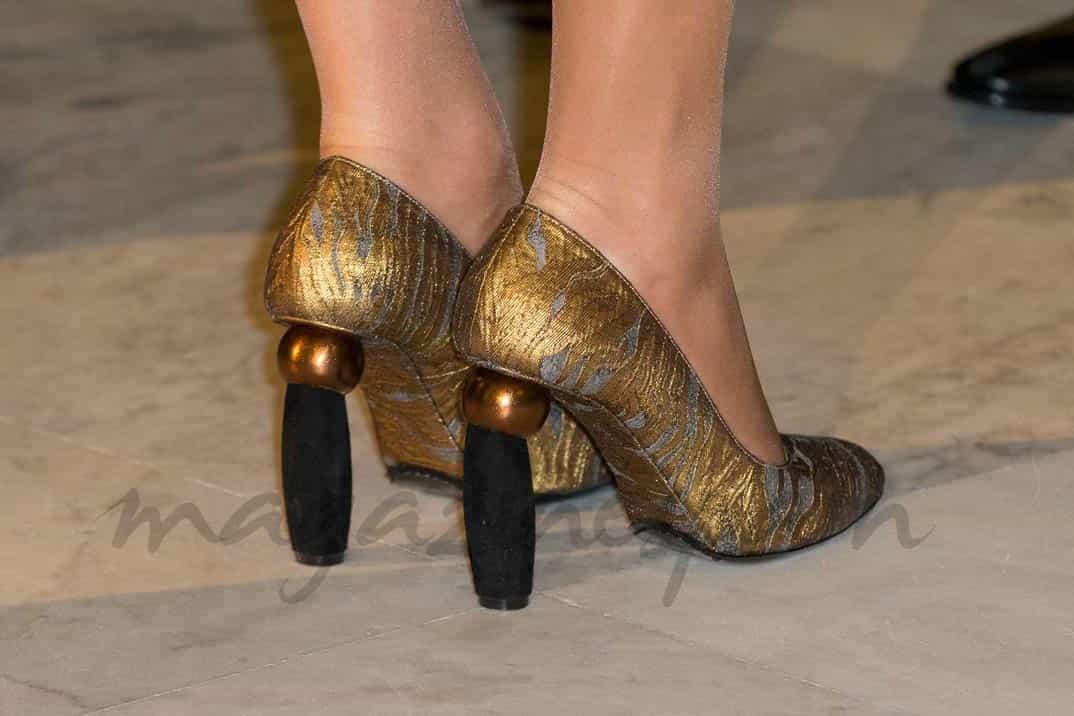 espectaculares zapatos de matilde de belgica